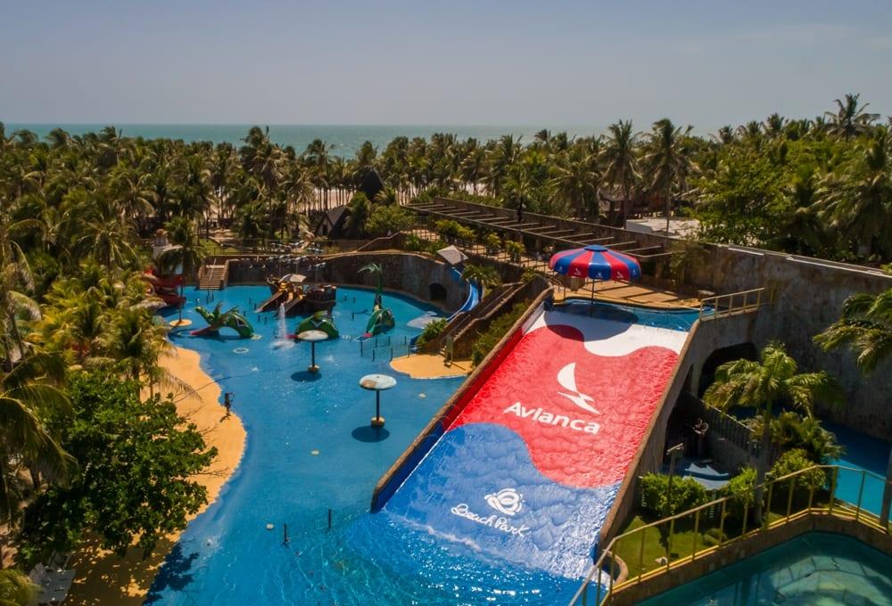Beach Park tem tobogua com a marca da Avianca Brasil
